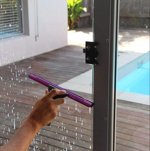 window cleaning tweed heads